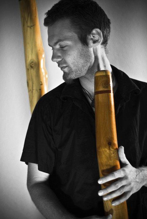zalem delarbre- scène locale grenoble - didgeridoo - beatbox - musicngre - music'n'gre - portrait de l'artiste Zalem