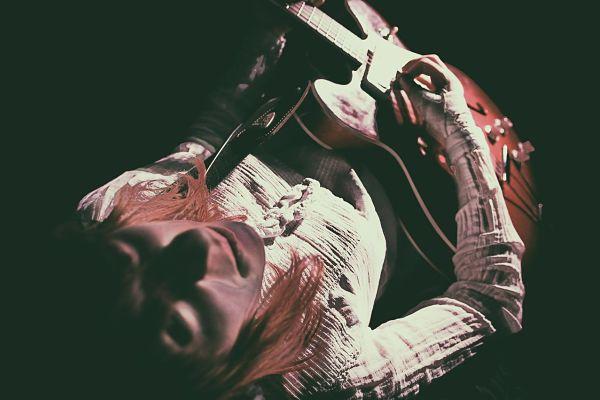 julie bally - scene locale grenoble - groupe musique grenoble - groupe rock grenoble